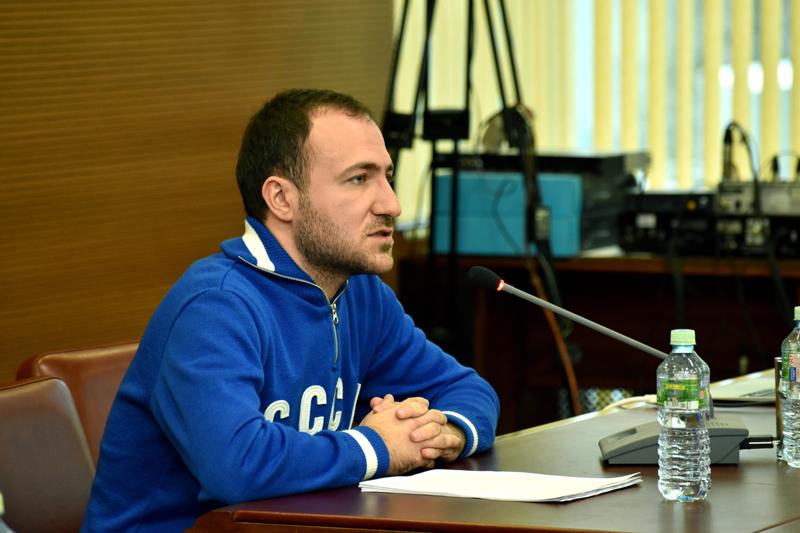 Андрей Апостолов